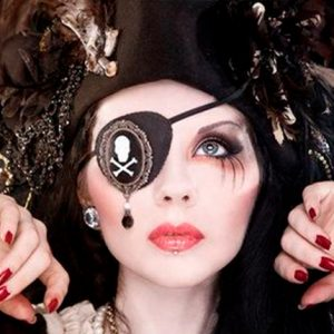 maquillaje-mujer-pirata-mujer
